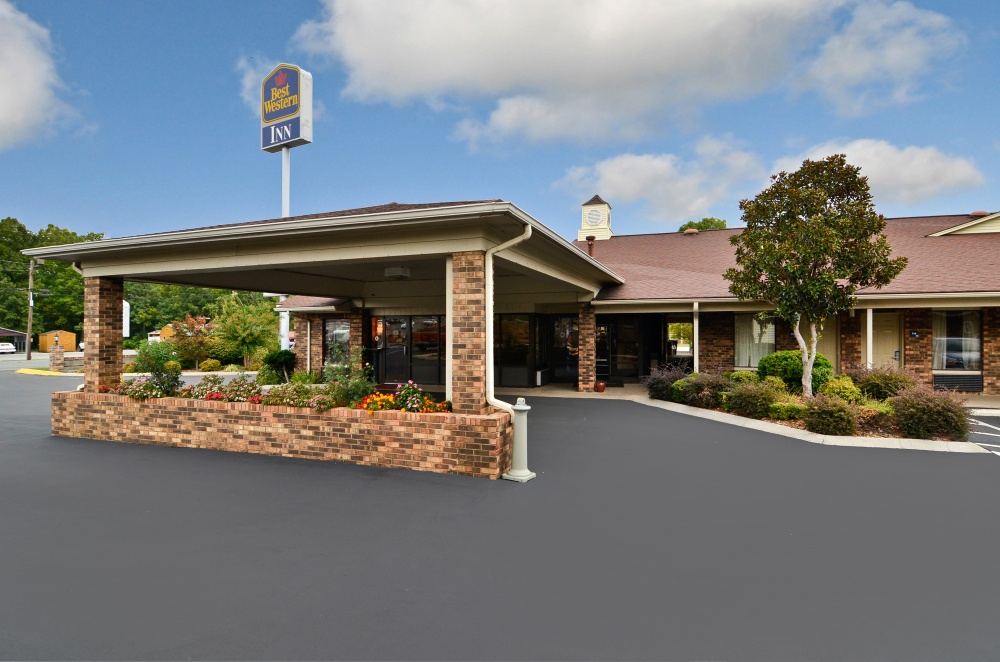 Tennessee hotels motels resorts other lodging for Roan street motors north johnson city tn
